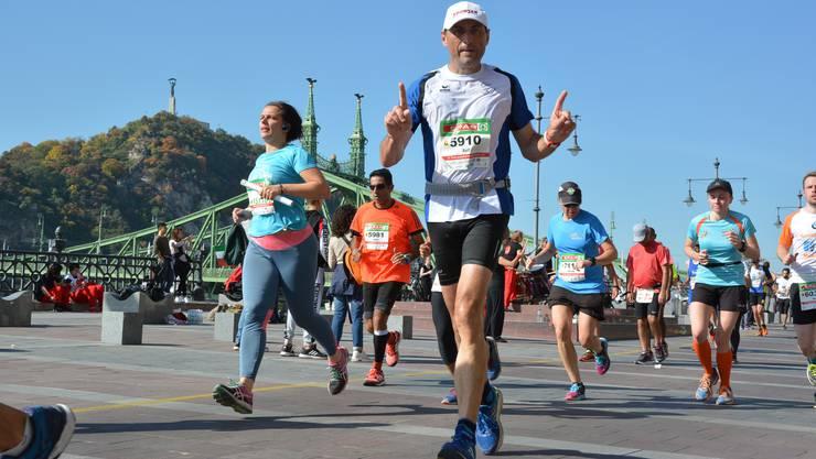 «Die Strecke war fast ein bisschen eintönig», sagt Rolf Arber (Startnummer 5910) über den Marathon in Budapest.