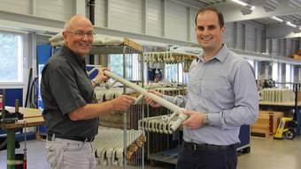 Kurt Huber (l.) ist froh, dass Sohn Christoph neu der Chef ist.