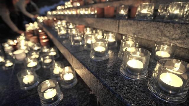 Kerzenmeer als Zeichen der Solidarität - Bild von der Aktion im Jahr 2010 (Archiv)