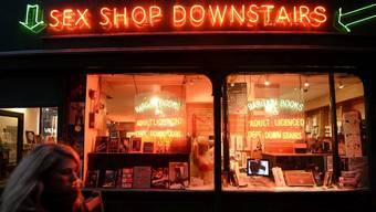 Ein Sex-Shop in Londoner Soho-Quartier: Ein Sex-Shop soll schon bald im Wallfahrtsort Mekka eröffnet werden. (Symbolbild)