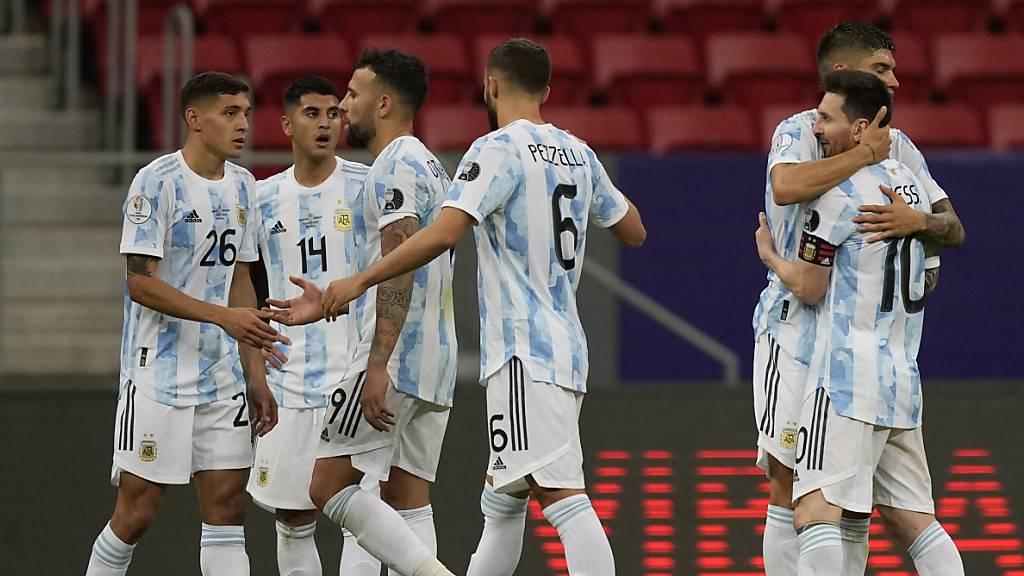 Argentinien schlägt Nachbar Uruguay