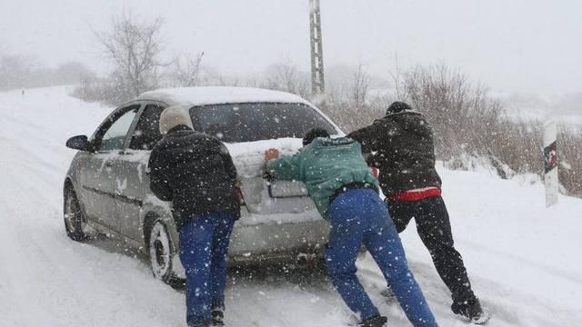 Tausende Autofahrer blieben stecken und waren auf Hilfe angewiesen