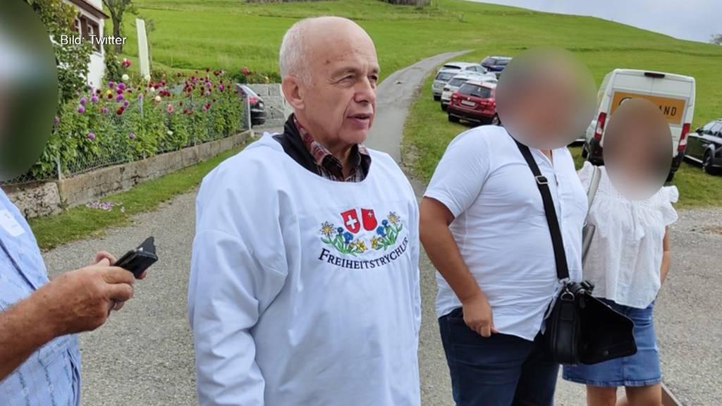 Aufregung in Bundesbern: Kritik an Maurer's Freiheitstrychler-Shirt