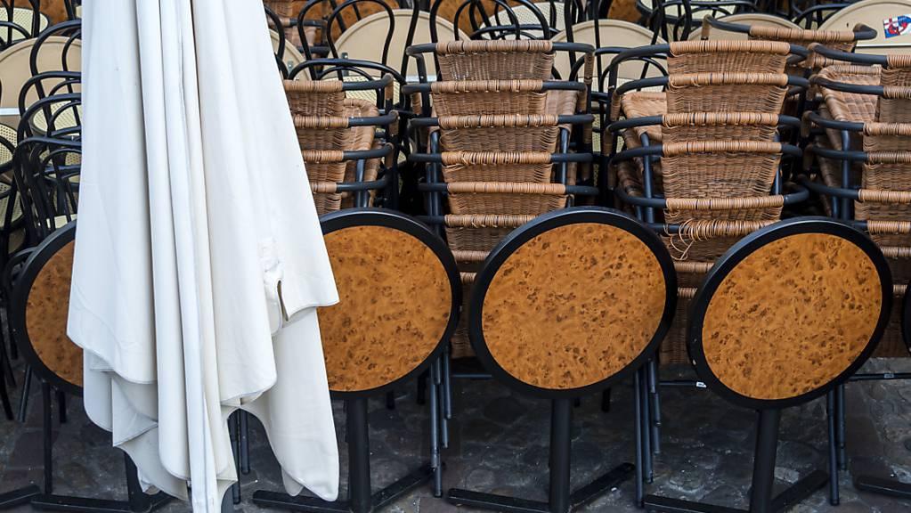 Wegen den coronabedingten Schliessungen von Betrieben hat der Kanton Schaffhausen bislang 326 Härtefallgesuche gutgeheissen. Nach den Lockerungen nimmt die Zahl der Gesuch nun ab.