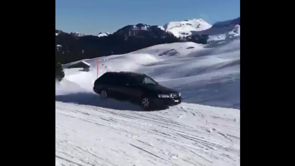 Audifahrer driftet im Hoch-Ybrig über die Pisten