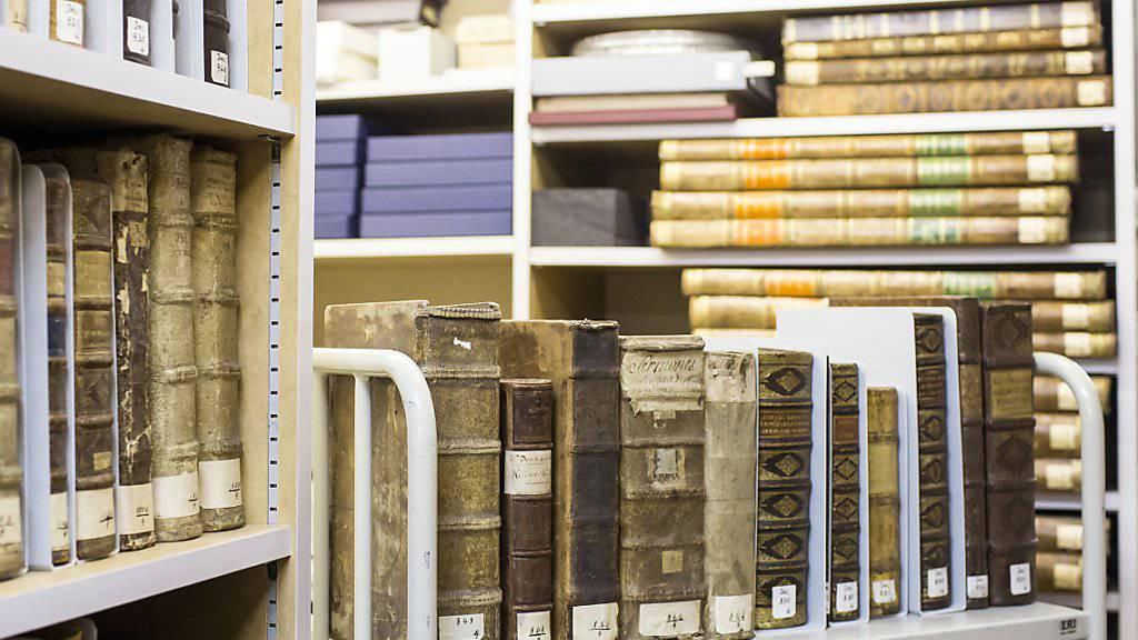 Das Wissen aus vergangenen Jahrhunderten online statt zwischen Buchdeckeln: Zahlreiche Schriften aus dem 18. und 19. Jahrhundert der Zentralbibliothek Zürich werden digitalisiert. (Symbolbild)