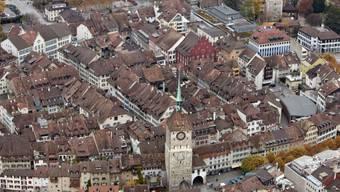Die Altstadt Aaraus aus der Vogelperspektive.  (Archivbild)