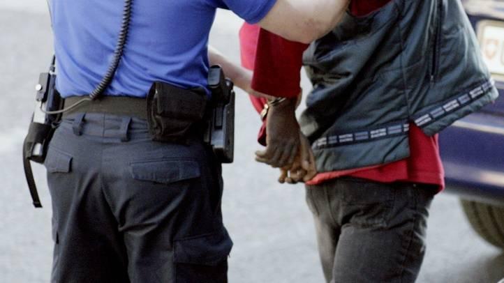 Drogenhändler festgenommen. (Symbolbild)