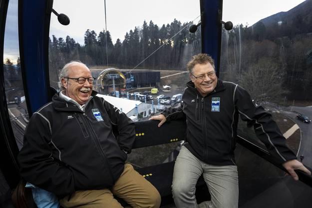 Rolf Studer (li) und Urs Allemann geniessen die Fahrt im Gondeli