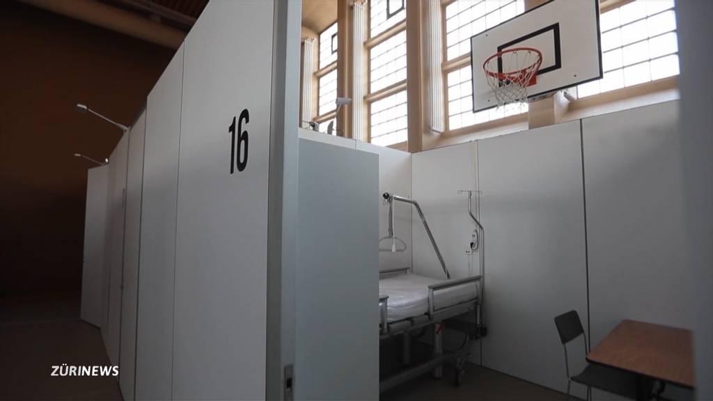 Unispital richtet Behandlungsplätze in Turnhalle ein