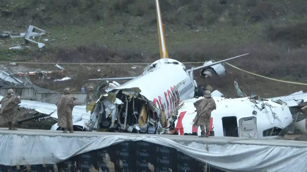 Drei Tote und 179  Verletzte bei Flugzeugunglück in Istanbul