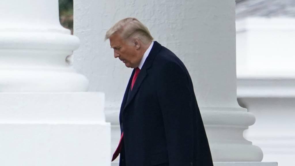 Donald Trump, Präsident der USA, verlässt das Weiße Haus für eine Wahlkampfveranstaltung in Pennsylvania. Foto: Patrick Semansky/AP/dpa