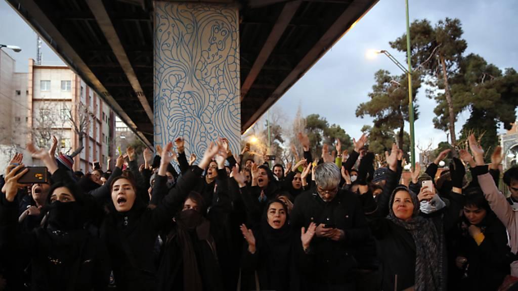 Proteste in Teheran nach iranischem Bekenntnis zu Flugzeugabschuss