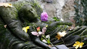 Fast 65'000 Menschen sind im Jahr 2016 in der Schweiz gestorben. (Archivbild)