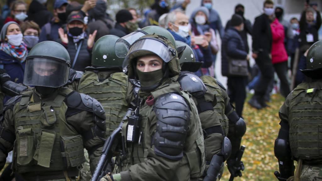 Opposition in Belarus ruft Armee zum Seitenwechsel auf