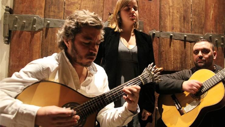 Fado-Sängerin Teresinha Landeiro in der Mesa de Frades, einem der angesagtesten Fado-Lokale Lissabons. Manuel Meyer
