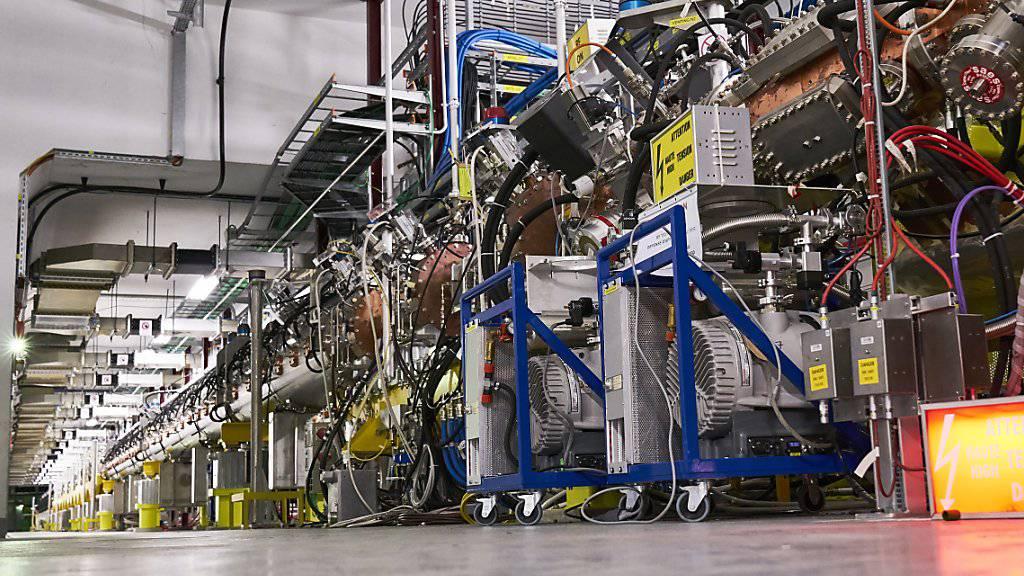 Um den Protonenstrahl für den LHC in Fahrt zu bringen, soll künftig der neue Lineare Beschleuniger Linac 4 den ersten Schritt übernehmen.