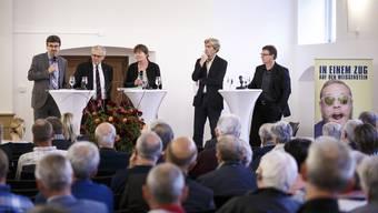 Sie diskutierten auf Einladung von Kanton Solothurn Tourismus und des Komitees «Weissensteintunnel erhalten» (v.l.): Peter Füglistaler, Kurt Fluri, Barbara Wyss, Theodor Eckert (Moderator) und Jürgen Hofer.