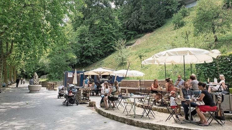 Das Flusscafé «Kajüte» an der Badener Limmatpromenade hat sich zu einem beliebten Treffpunkt entwickelt.
