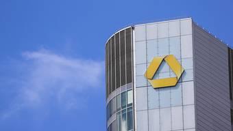 Commerzbank schliesst Filialen und baut Stellen ab. (Archivbild)