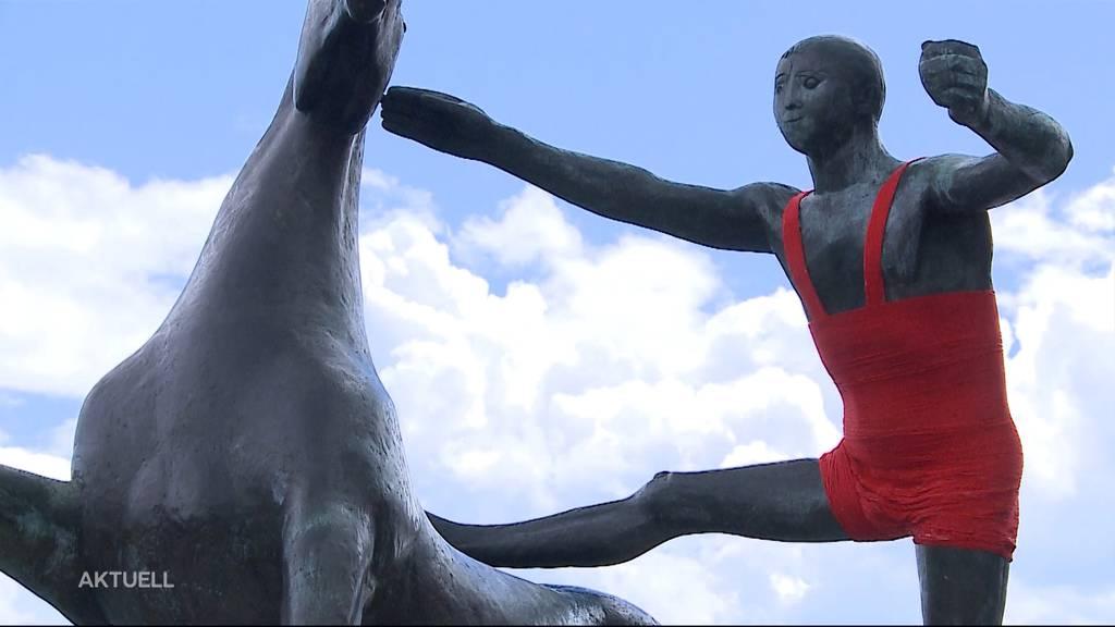 Bronzestatue bei der Oltner Bahnhofbrücke ist nicht mehr nackt