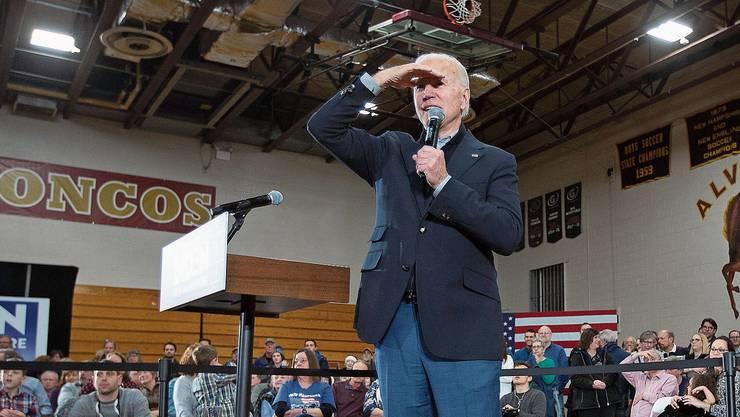 Kaum Land in Sicht: Ex-Vizepräsident Joe Biden, 77, schafft's auch in New Hampshire nicht so recht, die Massen zu begeistern.