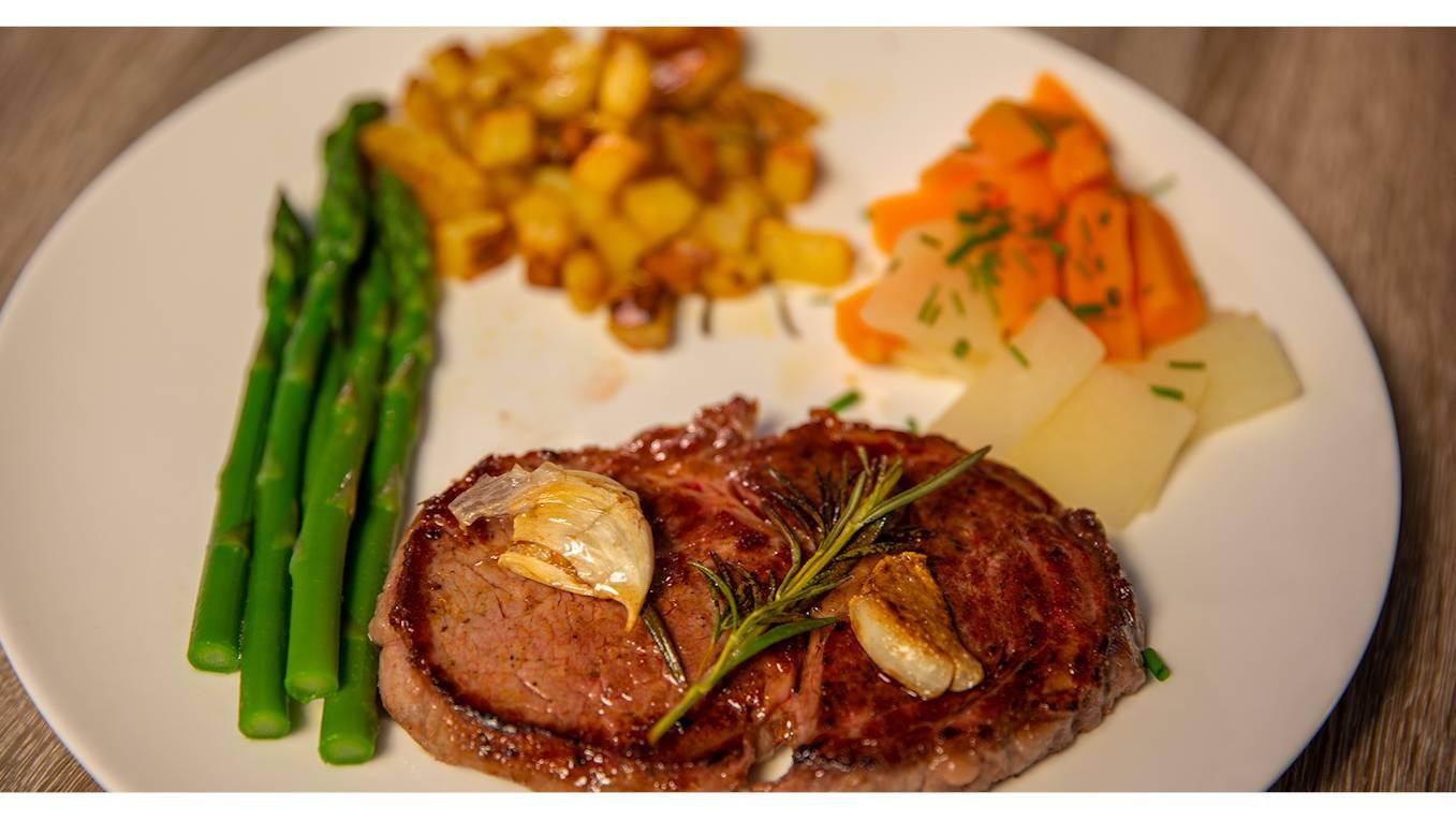 Rindersteak an Rotweinsauce von Christian