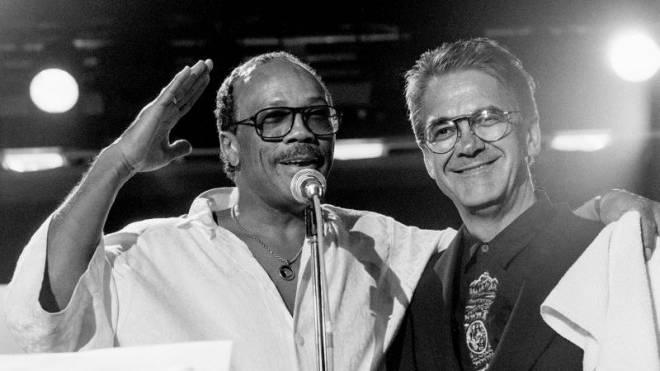 Quincy Jones war von 1991 bis 1993 zusammen mit Claude Nobs Co-Produzent des Festivals und ist bis heute Festival-Botschafter: «Meine Shows waren teuer, das ist wahr. Aber Claude setzte mir nie finanzielle Grenzen. Er sagte mir erst danach, dass das Festi