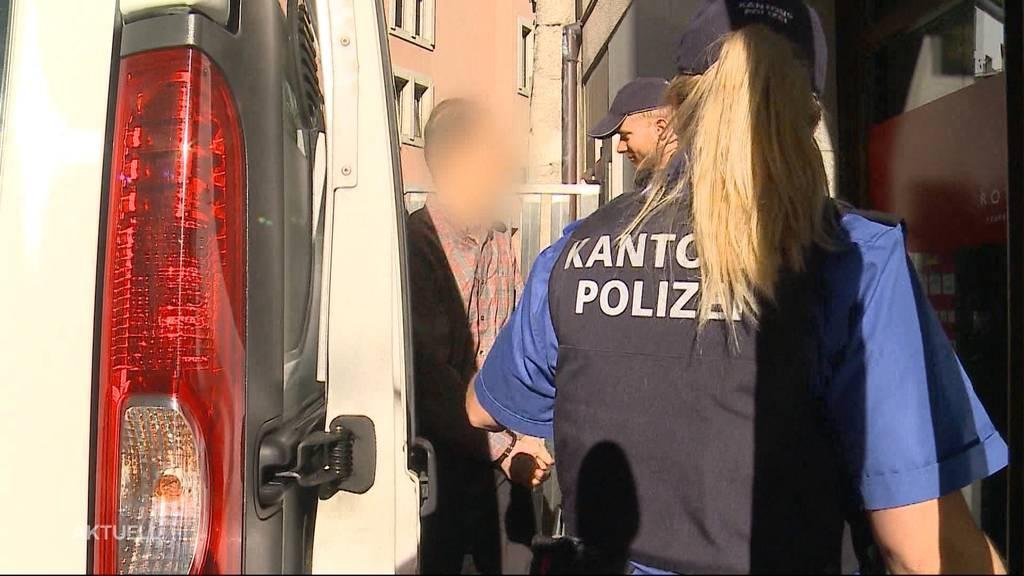 15 Handys ergaunert: 53-jähriger Aargauer vor Gericht