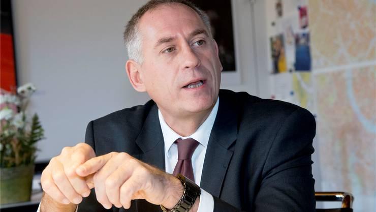 Musste sich unbequemen Fragen aus der eigenen Partei stellen: SP-Regierungsrat Hans-Peter Wessels.