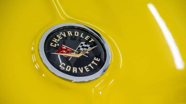 Die Corvette stammt aus dem Jahr 1962.