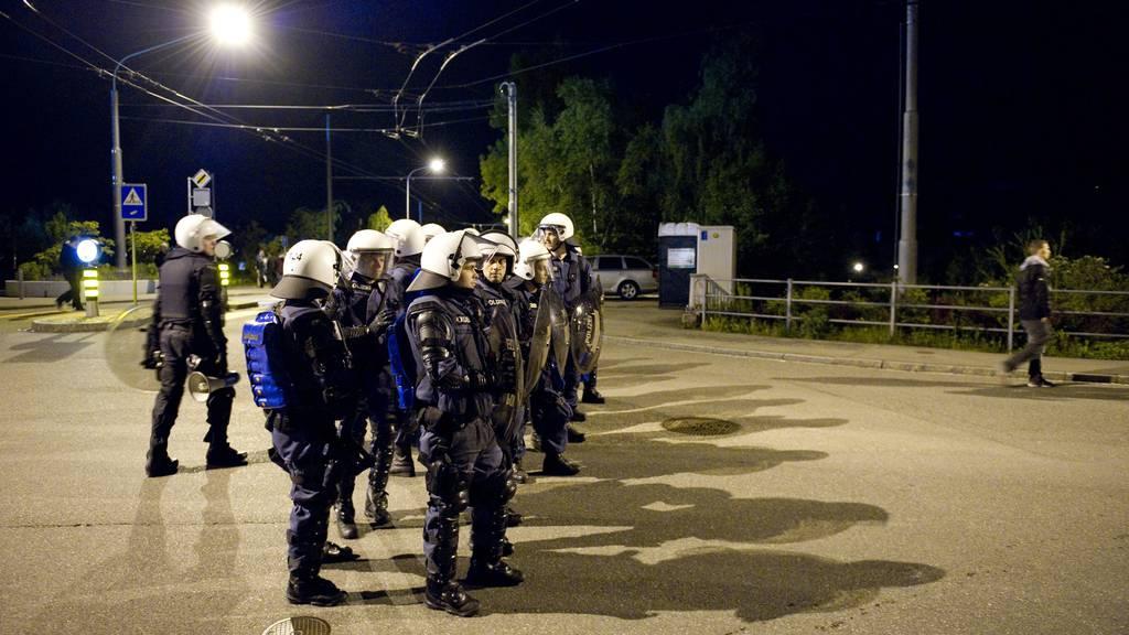 Polizei fahndet öffentlich nach FCZ-Chaoten