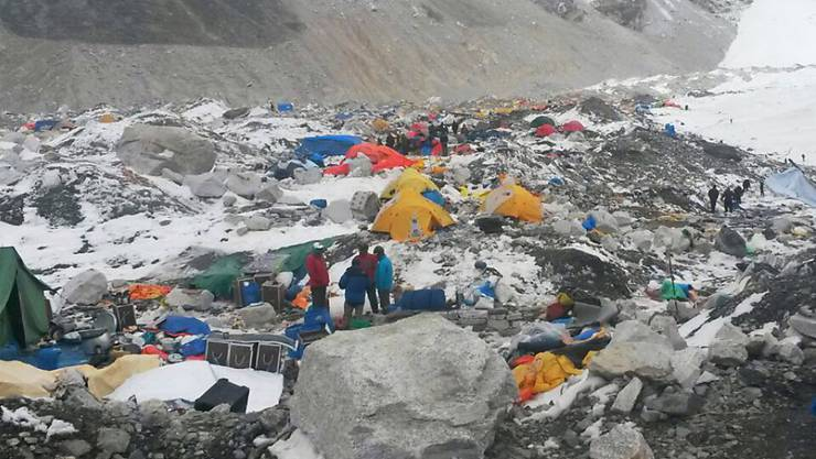 China schliesst das Basislager am Mount Everest für normale Touristen wegen zu viel Müll. (Themenbild)