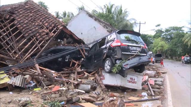 Über 300 Tote bei Tsunami in Indonesien