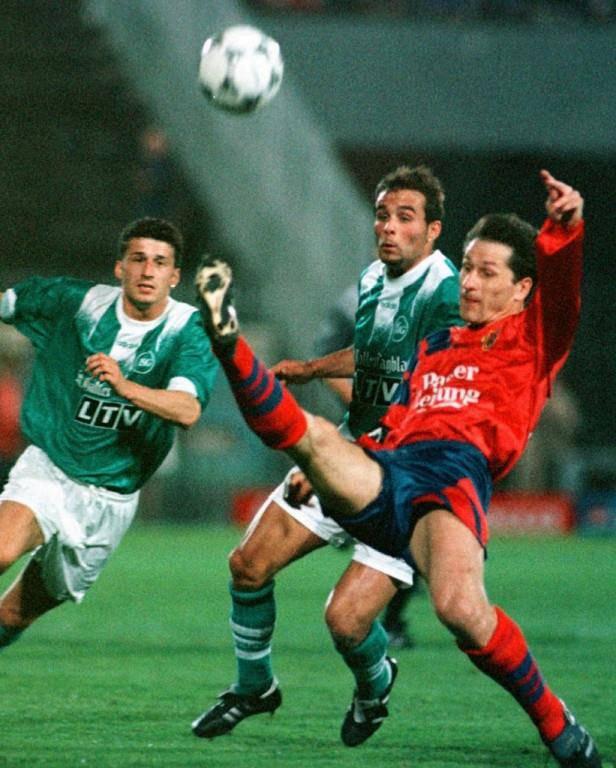 Contini im Jahr 1997 bei einem seiner ersten Einsätze im Trikot des FC St.Gallen. (© Keystone/Michael Kopferschmidt)