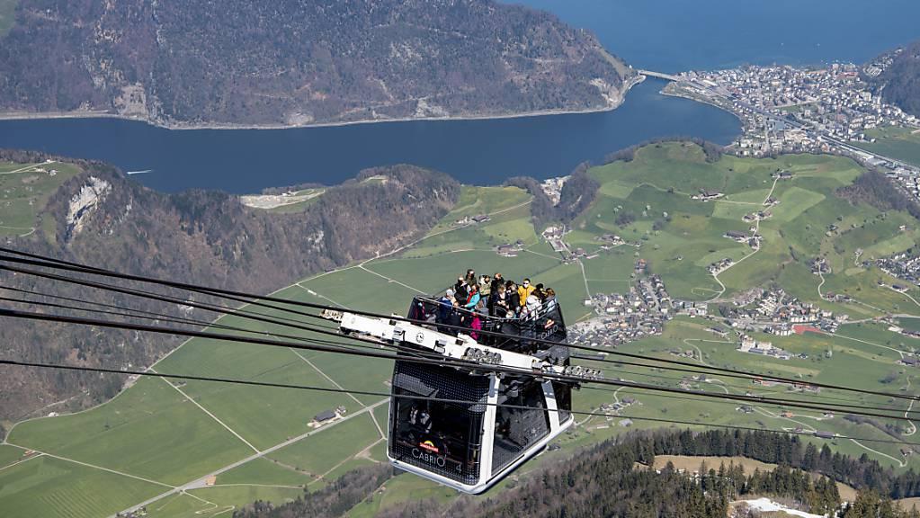 Schweizer Seilbahnen wie hier am Stanserhorn hoffen im Sommer auf viele einheimische Gäste. Denn aus Übersee werden in der Schweiz nach wie vor kaum Touristen erwartet. (Archivbild)