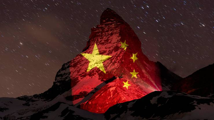 Am 19. April leuchtete das Matterhorn in den Farben Chinas.