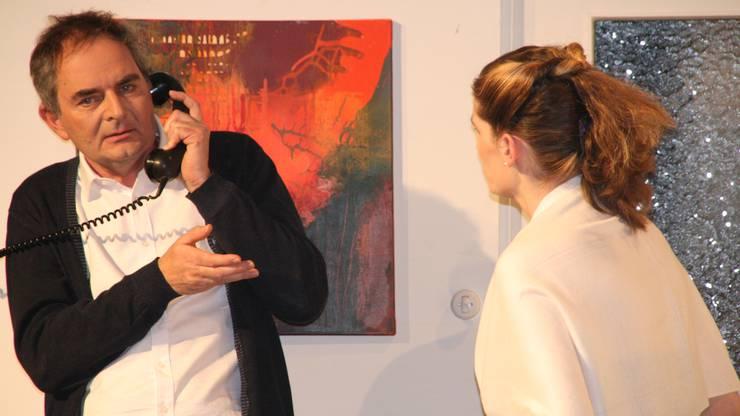 Mario Geng am Telefon mit Melanie Emmerich.