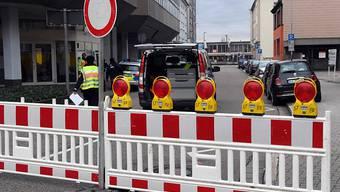 Der Sprengstoff-Fund löste ein Grosseinsatz der Polizei aus. Mehrere Strassen wurden gesperrt.