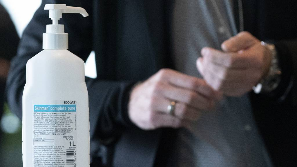Desinfektionsmittel selber machen – So geht's