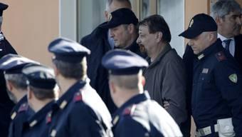 Der ehemalige Linksterrorist Cesare Battisti ist am vergangenen Montag nach jahrzehntelanger Flucht in Rom eingetroffen. In Italien soll er für seine Beteiligung an vier Tötungsdelikten eine lebenslange Haftstrafe verbüssen.