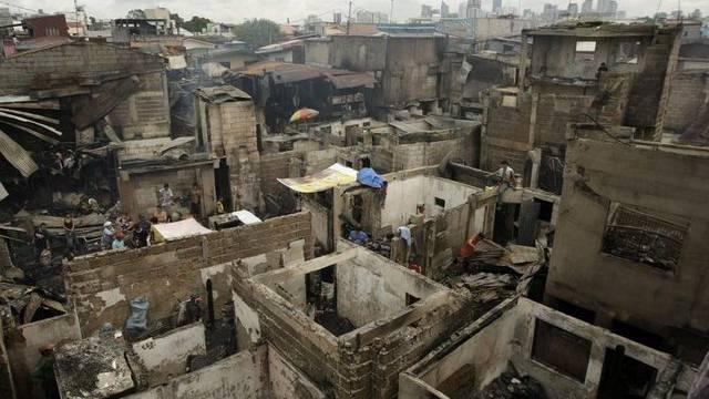 Die Folgen des Grossbrandes im Viertel Pasay in Manila