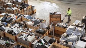 15 Kilogramm Elektroschrott pro Einwohner wurden im vergangenen Jahr zurückgegeben.Peter Klaunzer/Keystone