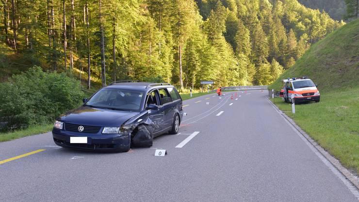 Ein Autofahrer verlor auf der Hulfteggstrasse in Steg im Tösstal die Kontrolle über sein Fahrzeug und verursachte einen Selbstunfall.