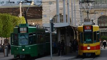 Ob gelb oder grün, den Fahrgast interessiert wohl nur, dass er pünktlich ans Ziel kommt.
