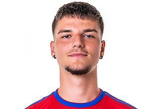Nach dem Cup und der Europa Leaugue folgt sein Liga-Debüt. Solide, obschon er mit zunehmender Dauer Probleme kriegt.