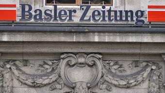 Das Logo der Basler Zeitung am Redaktionssitz in Basel (Archiv)