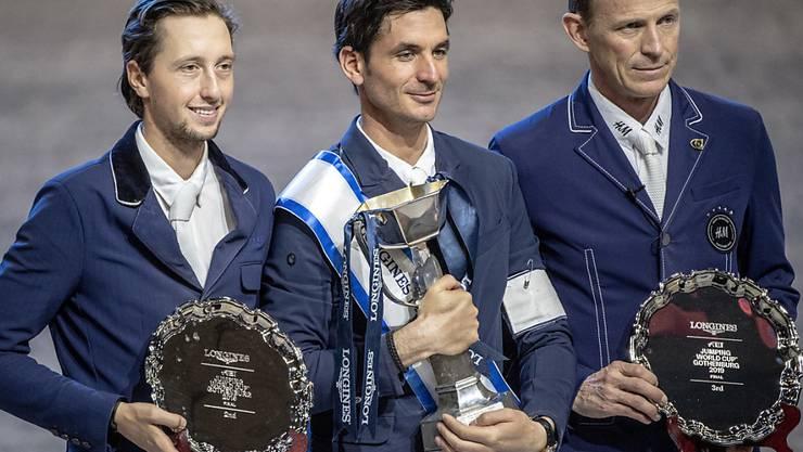 Der Sieger Steve Guerdat, umrahmt von Martin Fuchs (links) und Peder Fredricson.