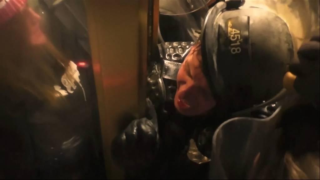 Amtsenthebungsverfahren gegen Trump zugelassen: Anklage zeigt dramatisches Video der Kapitol-Stürmung