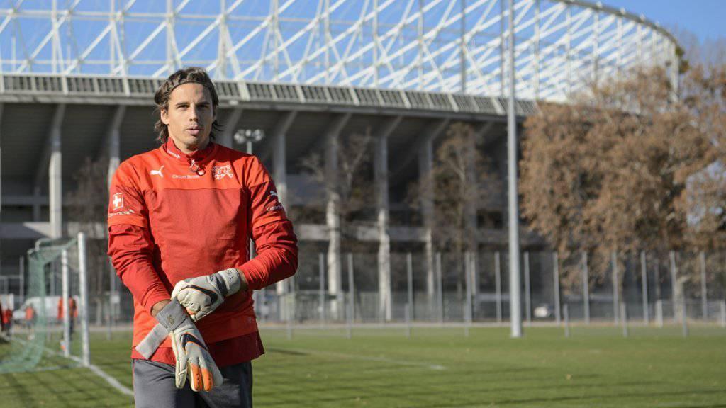 Das Fussball-Testspiel Österreich - Schweiz in Wien wird unter dem Eindruck der Attentate von Paris stattfinden. Goalie Yann Sommer bereitet sich vor. (Archiv)